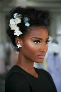 Penteados presos cabelo afro