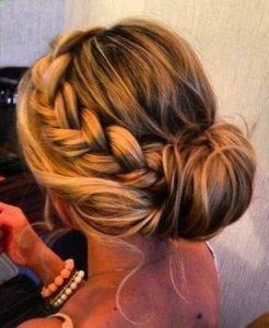 Penteados Presos com trança lateral
