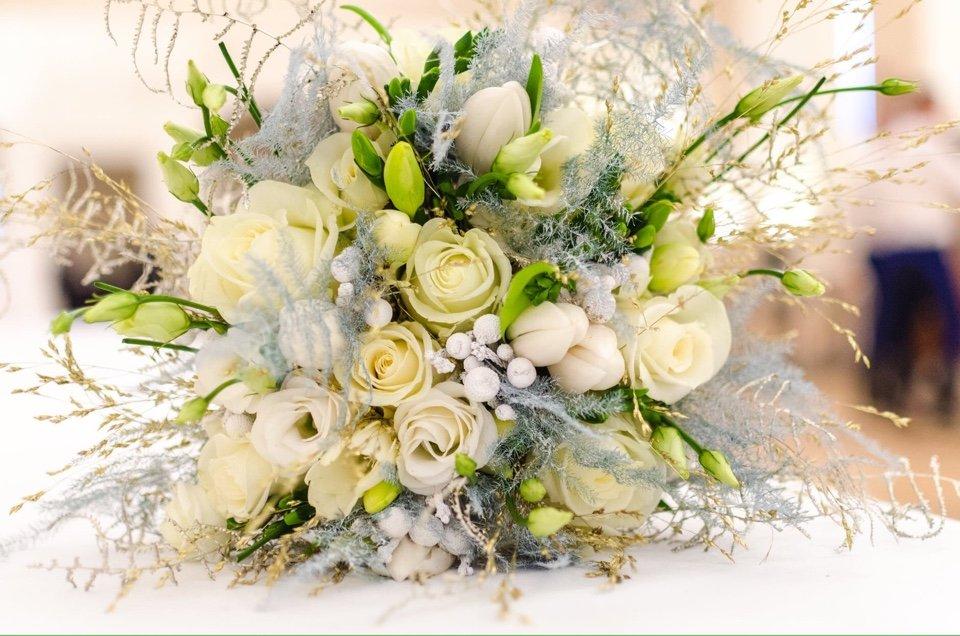 Decoração de Casamento - Guirlanda de Flores II